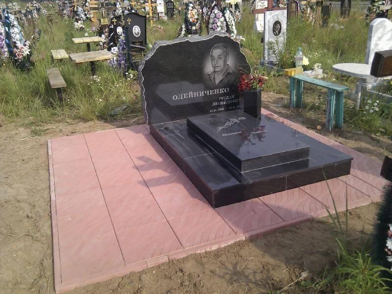 Одинарні гранітні пам'ятникив Києві!