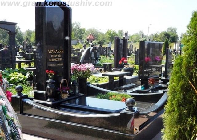 фото ритуальних пам'ятників