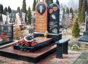 Фото ритуальних пам'ятників з граніту
