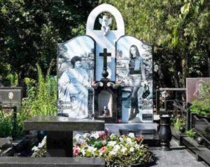 Заказать надгробный памятник из гранита г бор нижегородской обл фото цена памятники в казани цены волгоград