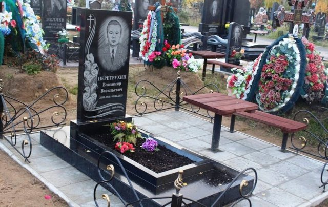 памятник на кладбище купить