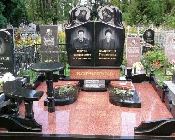 Памятники надгробия купить и установить в Киеве?