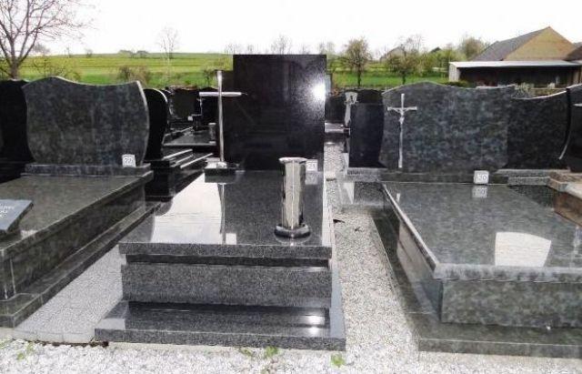 надгробия из гранита на Украине