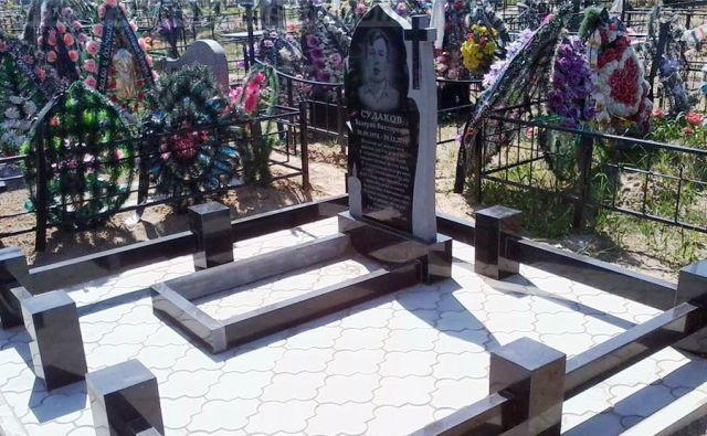 недорогие мемориальные комплексы