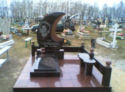 Заказать и установить комплекс памятник в Киеве?