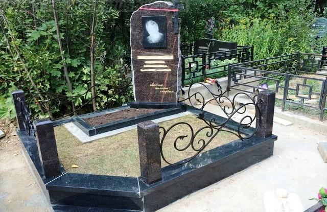 заказать памятник на могилу цена