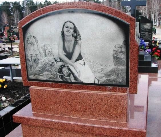 заказать памятник на могилу недорого