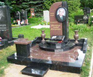 памятники в Киеве заказать цены