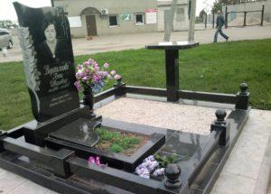 памятники в Украине купить