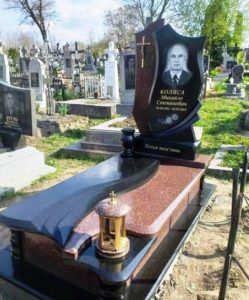 памятник черно белый и цветной камень Коростышев киев Украина фото цена gfvznybr xthyj ,tksq b wdtnyjq rfvtym
