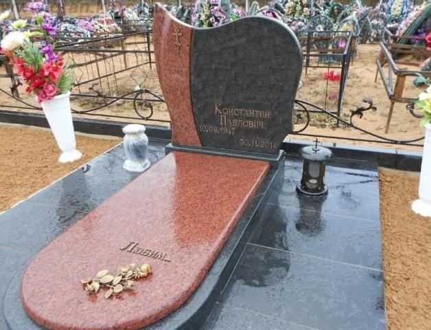 памятник из цветного гранита на могилу Коростышев киев Украина фото цена gfvznybr bp wdtnyjuj uhfybnf yf vjubke