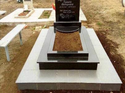Пам'ятники на могилу з кольорового граніту