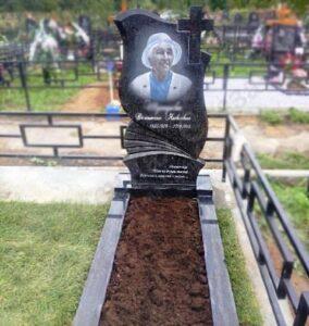 памятник з кольоровою фотографією на кладовищі Коростишів київ Україна фото ціна