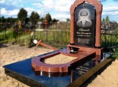 Замовити меморіальні комплекси на кладовищі