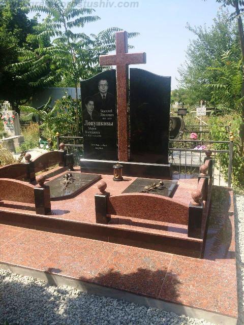 елітні меморіальні комплекси з граніту Коростишів київ Україна фото ціна